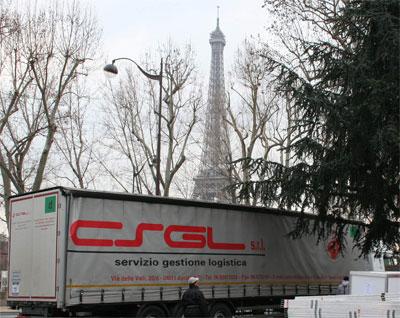Trasporto internazionale Roma Parigi per allestimento sfilata Armani